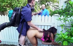 Sneaky Horny Wife Priya Permeate Fucks The Gardener