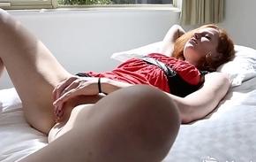 Yanks Charlotte Webbe Masturbates Her Natural Pussy