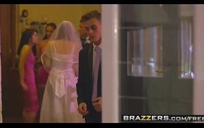 Brazzers - Mommys in control - (Chris Diamond) - An Forthright Inclined Coalition