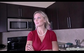 Blonde shoplifter MILF Kenzie Taylor got turned together with blackmailed by stepson together with performs a handsfree blowjob while debilitating handcuffs.