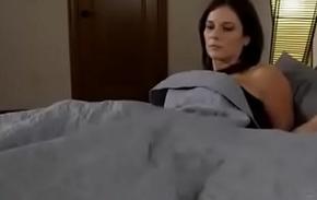 Compartiendo iciness cama rebuff madrasta (sub español)